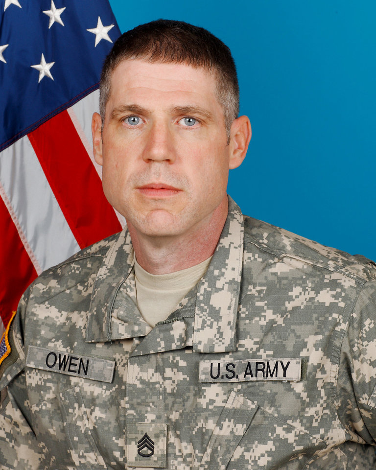 Photo - AFGHANISTAN / MILITARY / SOLDIER / OKLAHOMAN / DEATH / STAFF SGT. KIRK OWEN / STAFF SGT. KIRK AVERY OWEN: Oklahoma Army National Guard Staff Sgt. Kirk A. Owen, 37, of Sapulpa. Provided by Oklahoma Nat'l Guard ORG XMIT: KOD