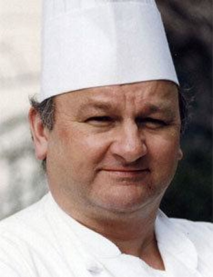 Photo - Roland Mesnier, former White House executive pastry chef         ORG XMIT: 1208312057507635
