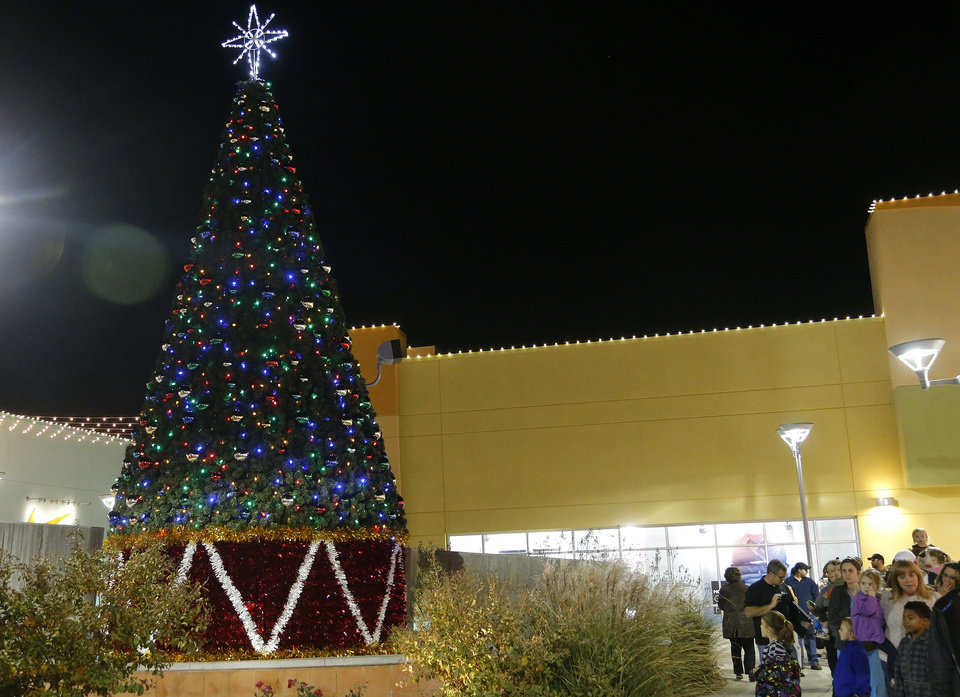 A Christmas tree is part of the holiday decorations at The Outlet Shoppes at Oklahoma City. <strong>SARAH PHIPPS - THE OKLAHOMAN</strong>