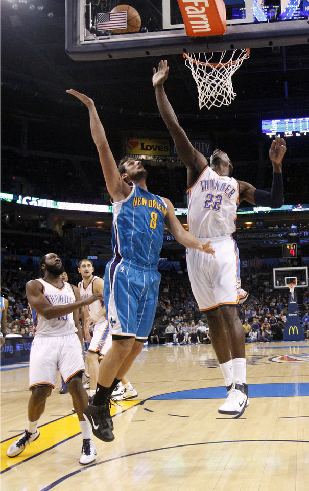 Photo - during the NBA basketball game between Oklahoma City Thunder and New Orleans Hornet, Wednesday, Feb. 2, 2011 at the Oklahoma City Arena. Photo by Sarah Phipps, The Oklahoman