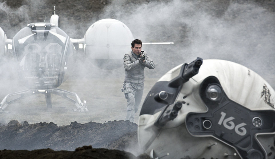 "Tom Cruise stars in the post-apocalyptic thriller ""Oblivion."" UNIVERSAL PICTURES PHOTO <strong></strong>"
