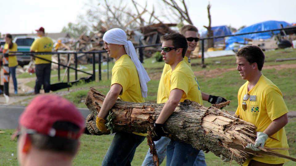 Volunteers from the Church of Jesus Christ of Latter-day Saints join in disaster relief efforts in Moore area. Photo provided by Mormonnewsroom.org