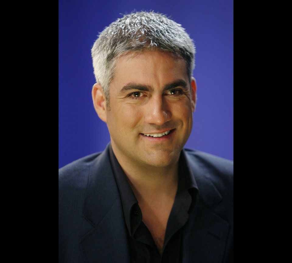 "Photo -   FILE - In this March 3, 2009, file photo, musician Taylor Hicks is interviewed in New York. Hicks, ""American Idol"" Season 5 winner, is getting his own short-term show on the Las Vegas Strip. Casino officials announced the Alabama native will headline an eight-week show at Bally's Las Vegas beginning June 26. He's the first ""American Idol"" winner or finalist to secure a Las Vegas residency. (AP Photo/Seth Wenig, File)"