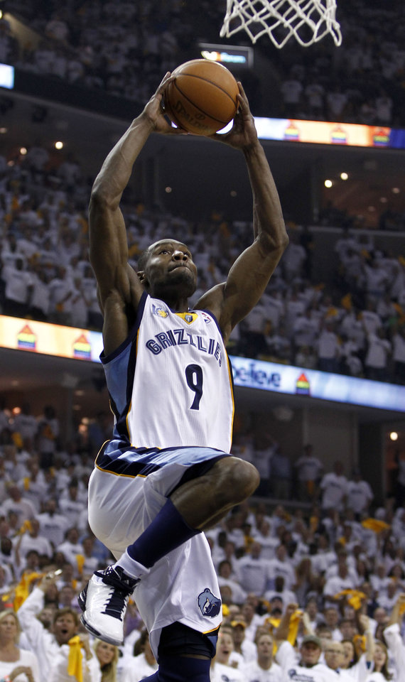 Memphis Grizzlies guard Tony Allen scores against the Oklahoma City Thunder during the first half of Game 4 of a second-round NBA basketball series, Monday, May 9, 2011, in Memphis, Tenn. (AP Photo/Wade Payne)