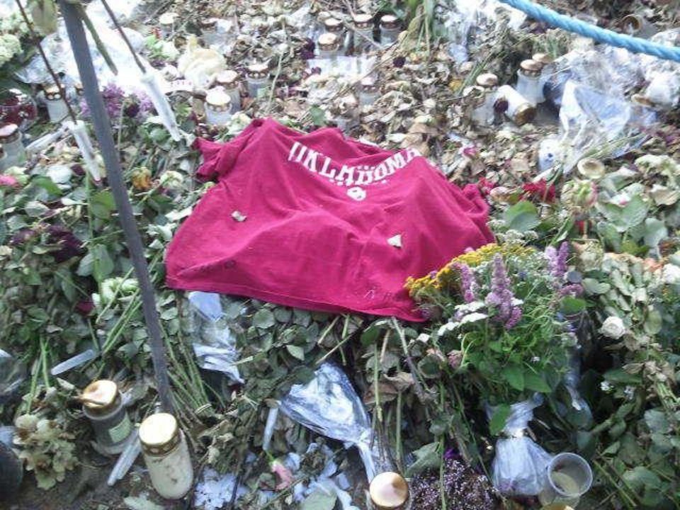 Photo - Fw: T-shirt pictures from Oslo Norway after the island tragedy...