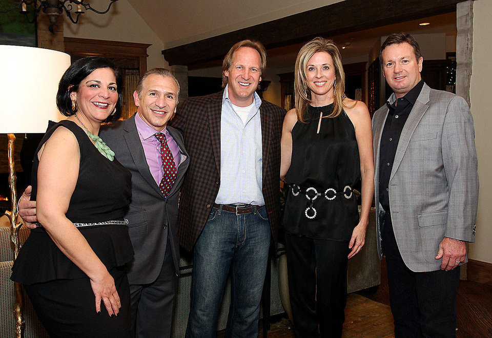 Nicole Thomas, Ray Mancini, Tim and Liz McLaughlin, Bob Stoops.