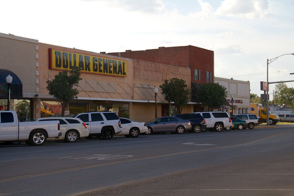 Elk City�s downtown shopping district is largely full of businesses, and most parking spaces are filled even in the middle of the afternoon.