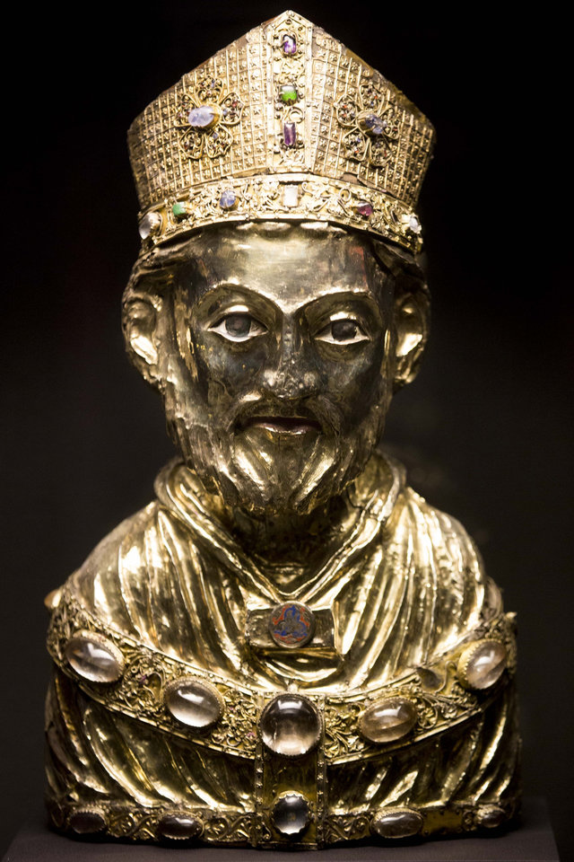 Photo - FILE - In this Jan. 9, 2014 file picture  a medieval reliquary bust of St. Blaise, of the Welfenschatz, is displayed at the Bode Museum in Berlin.  A panel set up by the German government says a medieval treasure at the center of a long-running ownership dispute should stay with a Berlin museum and not be given to the heirs of Nazi-era Jewish art dealers. Thursday's March 20, 2014  recommendation on the fate of the Welfenschatz, or Guelph Treasure, by a decade-old commission created to help resolve restitution claims isn't binding but carries moral weight.  (AP Photo/Markus Schreibe,File)