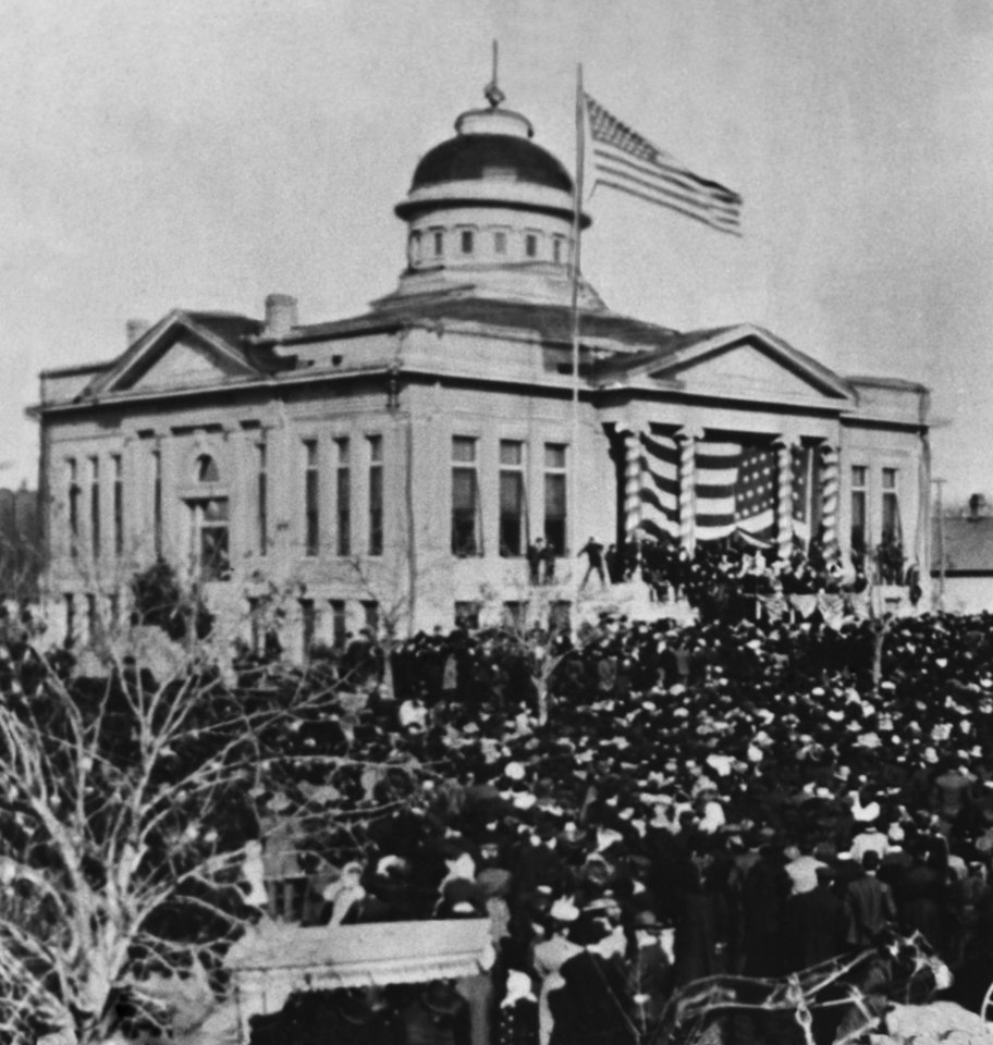 "PRESTATEHOOD / STATEHOOD / GUTHRIE :  ""Guthrie - Old capitol bldg. Oklahoma.  Where Charles Haskell was inaugurated as the state's first governor - 1907."""