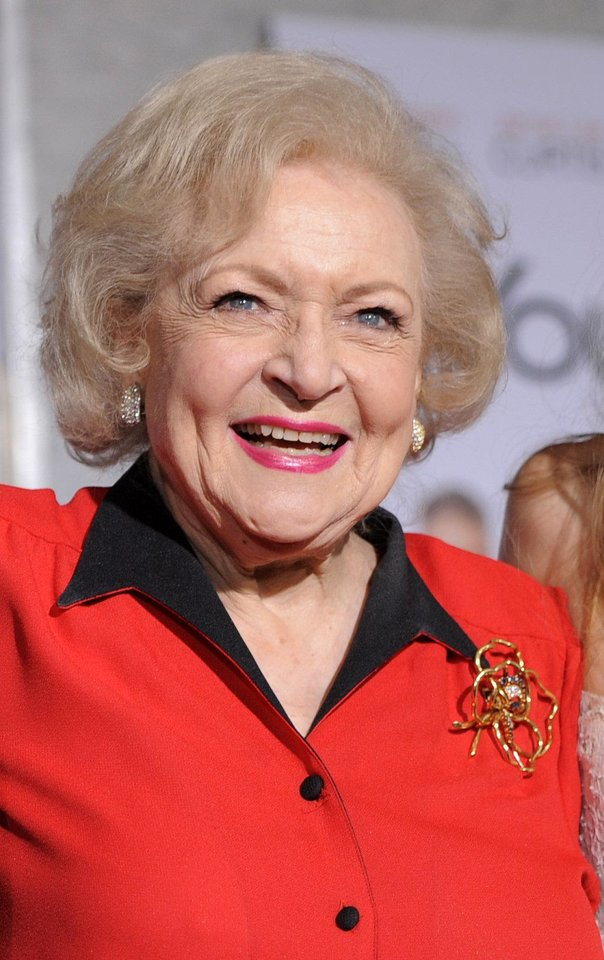 Betty White Chris Pizzello