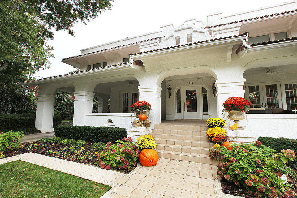 Photo - Dr. Diana Hampton's G.A. Nichols home at 1715 N Hudson is one of several historic homes on the 47th Heritage Hills Historic Home Tour from noon to 5 p.m. Saturday and Sunday.  PAUL B. SOUTHERLAND - The Oklahoman