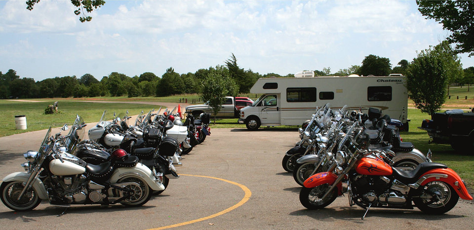 The city of Choctaw and Star Chapter 162 were the host of the first multi-chapter ride and picnic at a Choctaw park.  This event drew in chapters from Tulsa and north OKC as rows of mostly Yamaha Star motorcycles filled the small parking lot at the back of this quiet rustic looking park lined with western fences and old relics of the old west.  A very nice place to have a picnic.<br/><b>Community Photo By:</b> Garry Baird<br/><b>Submitted By:</b> Garry, Oklahoma City