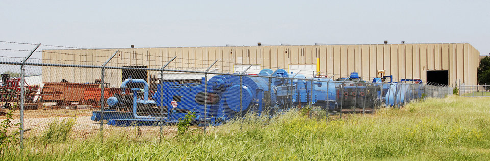 Photo - Oklahoma City's industrial property market was hot in the first quarter, according to Xceligent Inc. Pictured is the kind of space in greatest demand: Mid-States Oilfield Machine, 6501 S Interpace, south of SE 59 and east of Sunnylane Road.  PAUL B. SOUTHERLAND - PAUL B. SOUTHERLAND