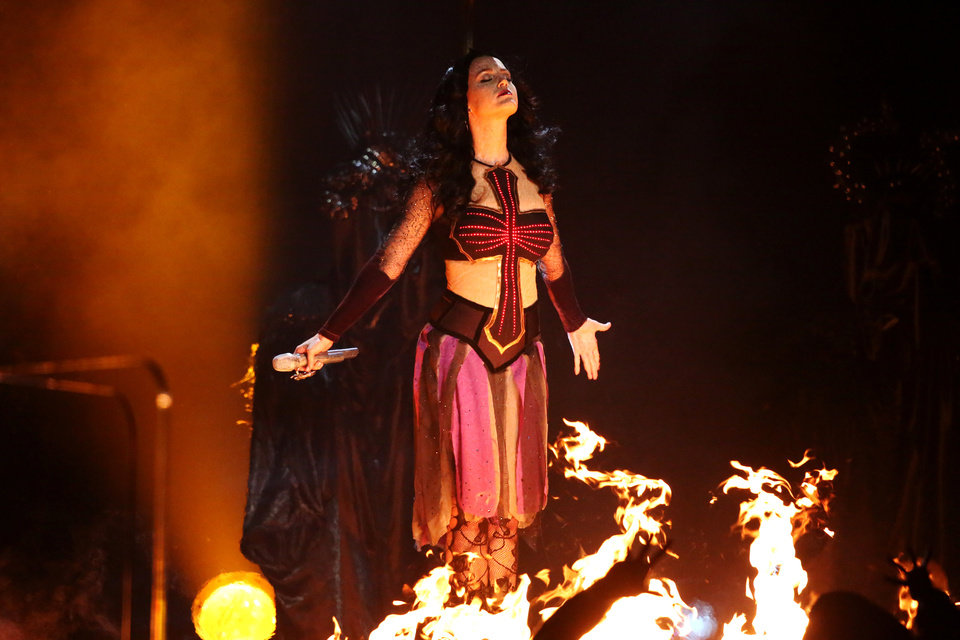 Photo - Katy Perry performs
