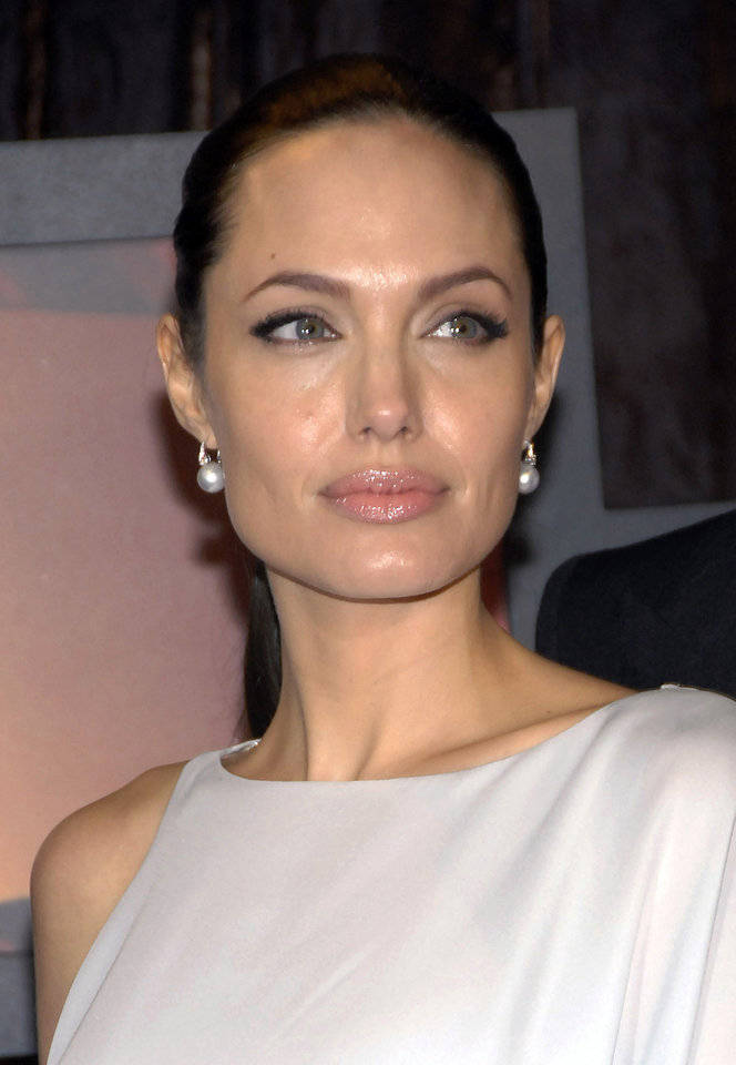 Actress Angelina Jolie arrives at the 14th Annual Critics' Choice Awards on Thursday Jan. 8, 2009 in Santa Monica, Calif. (AP Photo/Dan Steinberg) ORG XMIT: CAKK277