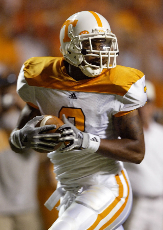Photo - A Parade All-American out of Tulsa Washington, Robert Meachem left the state to play for Tennessee. AP ARCHIVE PHOTO