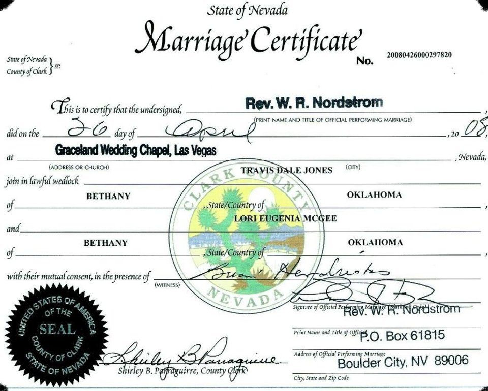 Travis Jones married Lori McGee.<br/><b>Community Photo By:</b> scanned image<br/><b>Submitted By:</b> Travis, Bethany