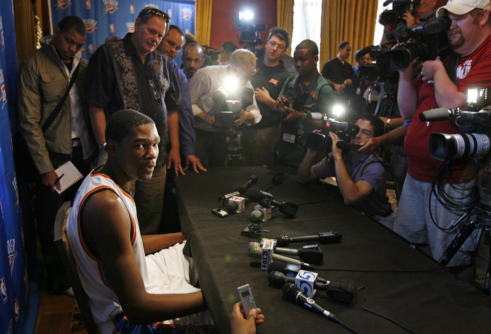 Photo - Kevin Durant answers question from the media during media day for the Oklahoma City Thunder NBA basketball team at the Skirvin Hilton hotel in Oklahoma City, Monday, September 29, 2008. BY NATE BILLINGS, THE OKLAHOMAN. ORG XMIT: KOD