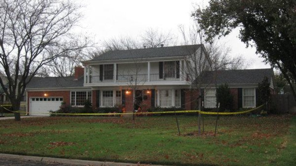 Photo - Police suspect foul play in the death of a person found Monday morning at this Nichols Hills home.   - The Oklahoman