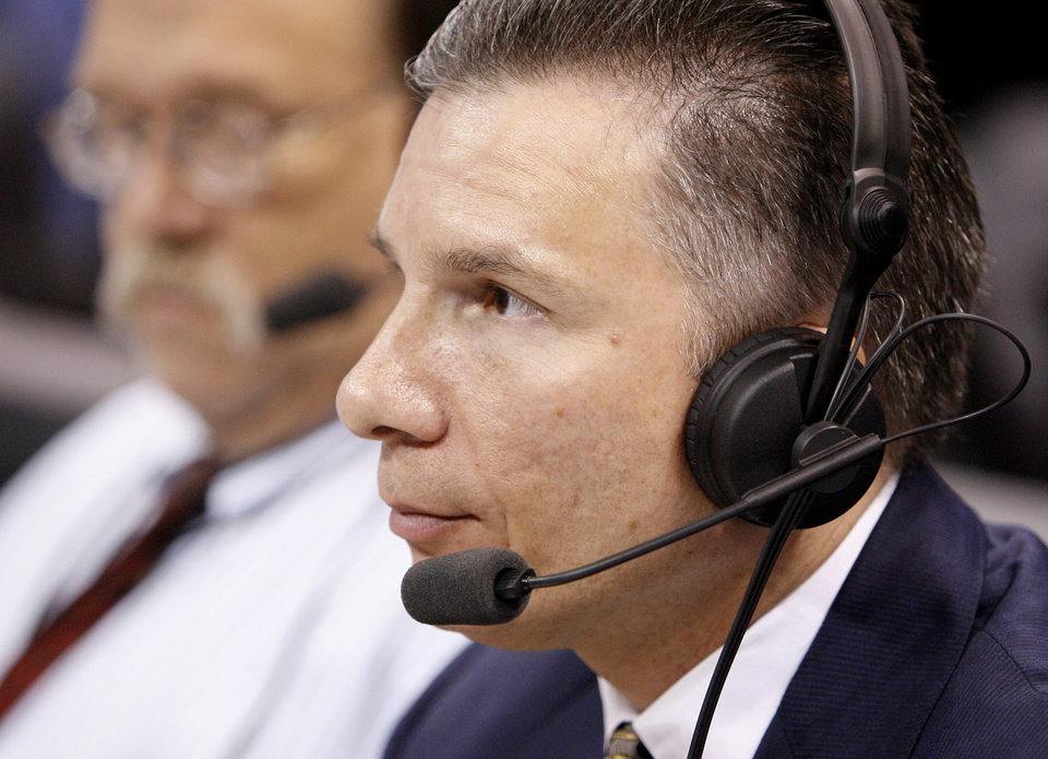 Photo - L.A. CLIPPERS / EXHIBITION: Oklahoma City Thunder play-by-play radio announcer Matt Pinto during the preseason NBA basketball game between the Oklahoma City Thunder and the Los Angeles Clippers at the Ford Center in Oklahoma City, Tuesday, October 14, 2008. BRYAN TERRY, THE OKLAHOMAN  ORG XMIT: KOD