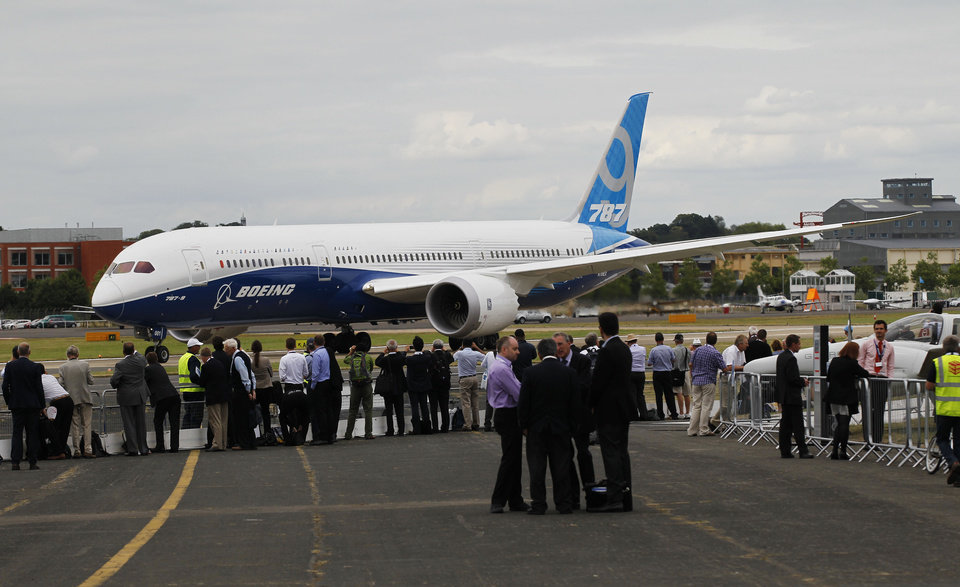 Photo - A Boeing 787 prepares to take off for a display during Farnborough International Air Show, Farnborough, England, Wednesday, July 16, 2014. (AP Photo/Sang Tan)