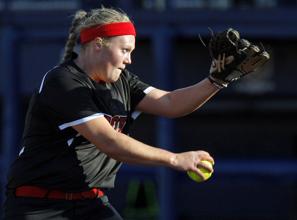 Grove's Jessica Walker (19) pitches during the 5A state championship fast-pitch softball game between Grove and Chickasha at ASA Hall of Fame Stadium in Oklahoma City, Monday, Oct. 15, 2012. Grove won, 3-2. Photo by Nate Billings, The Oklahoman