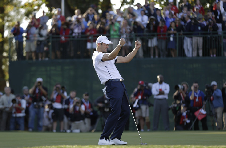 Europe's Martin Kaymer celebrates after winning the Ryder Cup PGA golf tournament Sunday, Sept. 30, 2012, at the Medinah Country Club in Medinah, Ill. (AP Photo/David J. Phillip)  ORG XMIT: PGA205