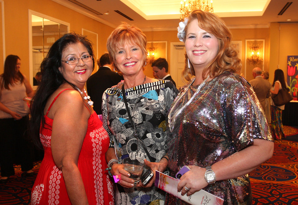 Patsy Aebischer, Randi Green, Amber Thompson. Photo by David Faytinger for The Oklahoman__