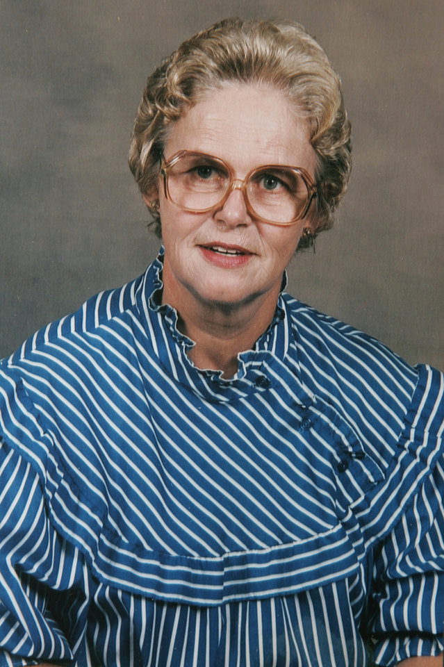Photo - MURDER / DEATH: Maria Wilson's family photo of her mother Frieda Dighton in Guthrie , Okla. January  29, 2009. Wilson's mother was killed in her home in Latimer County. COPIED PHOTO BY STEVE GOOCH, THE  OKLAHOMAN.   ORG XMIT: KOD