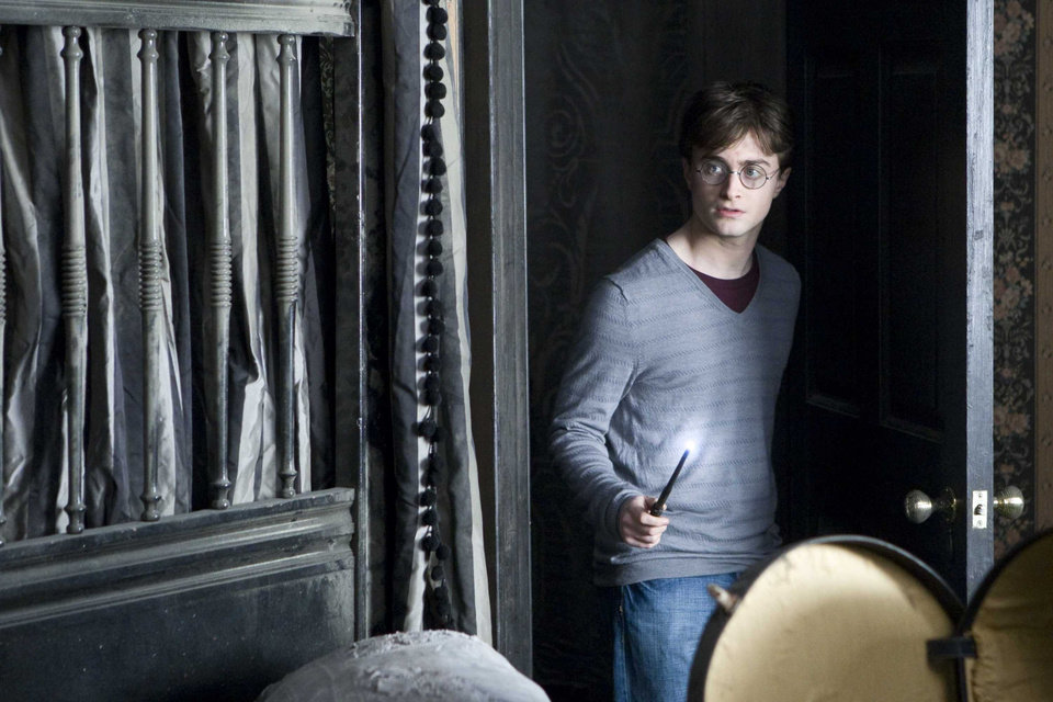 "DANIEL RADCLIFFE as Harry Potter in Warner Bros. Pictures' fantasy adventure ""HARRY POTTER AND THE DEATHLY HALLOWS - PART 1,"" a Warner Bros. Pictures release.  PHOTOGRAPHS TO BE USED SOLELY FOR ADVERTISING, PROMOTION, PUBLICITY OR REVIEWS OF THIS SPECIFIC MOTION PICTURE AND TO REMAIN THE PROPERTY OF THE STUDIO. NOT FOR SALE OR REDISTRIBUTION."