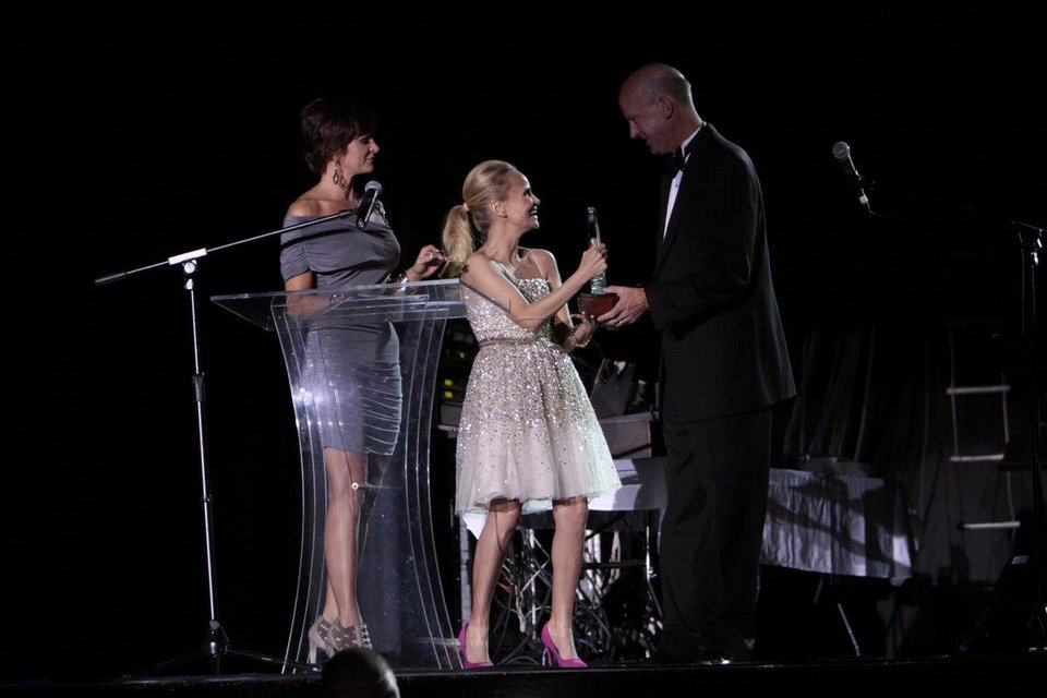Photo - Kristin Chenoweth receives recognition as she is inducted into the Oklahoma Music Hall of Fame. Photo by Jay Spear