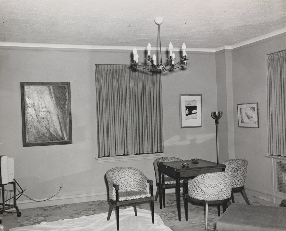 Photo -   This Nov. 21, 1963 photo provided by the Amon Carter Museum of American Art Archives, shows the living area of Suite 850 at the Hotel Texas, in Fort Worth, Texas. An exhibit opening next year at the Dallas Museum of Art will feature almost all of the works of art gathered from museums and prominent Fort Worth citizens for the hotel suite John F. Kennedy and first lady Jacqueline Kennedy stayed in the night before he was assassinated. (AP Photo/ Amon Carter Museum of American Art Archives, Byron Scott)