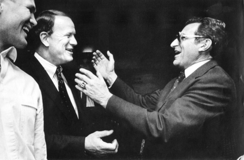 Photo - Penn State football coach Joe Paterno, right, greets University of Oklahoma football coach Barry Switzer before the 1985 Orange Bowl. OKLAHOMA ARCHIVE PHOTO