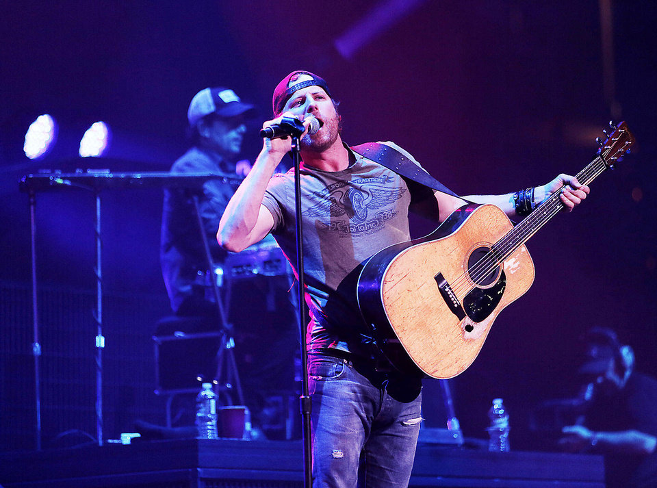 Photo - CONCERT: Dierks Bentley performs at the Chesapeake Energy Arena in Oklahoma City, Friday, March 8, 2013.  Photo by Garett Fisbeck, For The Oklahoman