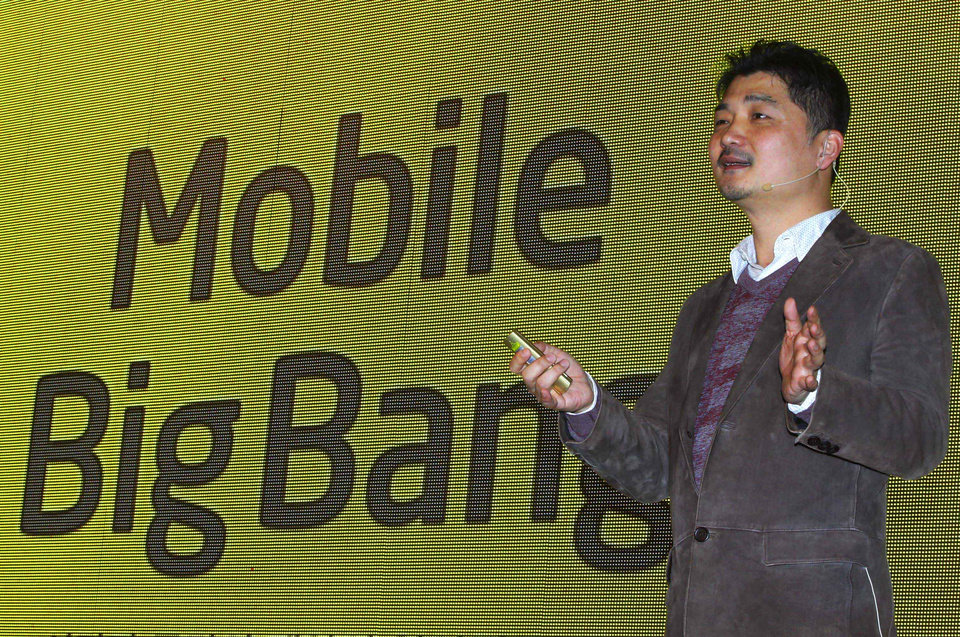Photo -   Kakao Talk founder and Chairman Brian Kim speaks during a press conference in Seoul, South Korea, Tuesday, Nov. 20, 2012. Kakao Talk, a popular mobile messenger in South Korea, will launch an online music and electronic book shop next year as it continues to grow beyond its original mission to provide a simple online messaging service. (AP Photo/Ahn Young-joon)