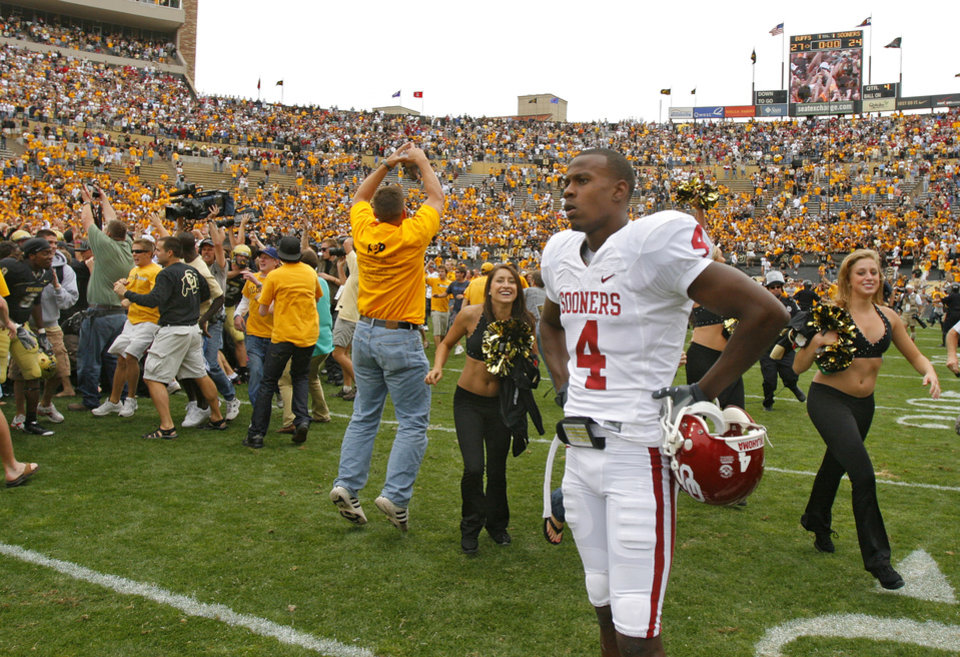 Oklahoma\'s Malcolm Kelly (4) stands on the filed as Colorado and its fans celebrate the 27-24 upset of over the Sooners during the college football game between the University of Oklahoma Sooners (OU) and the University of Colorado Buffaloes (CU) at Folsom Field on Saturday, Sept. 28, 2007, in Boulder, Co. By CHRIS LANDSBERGER, The Oklahoman