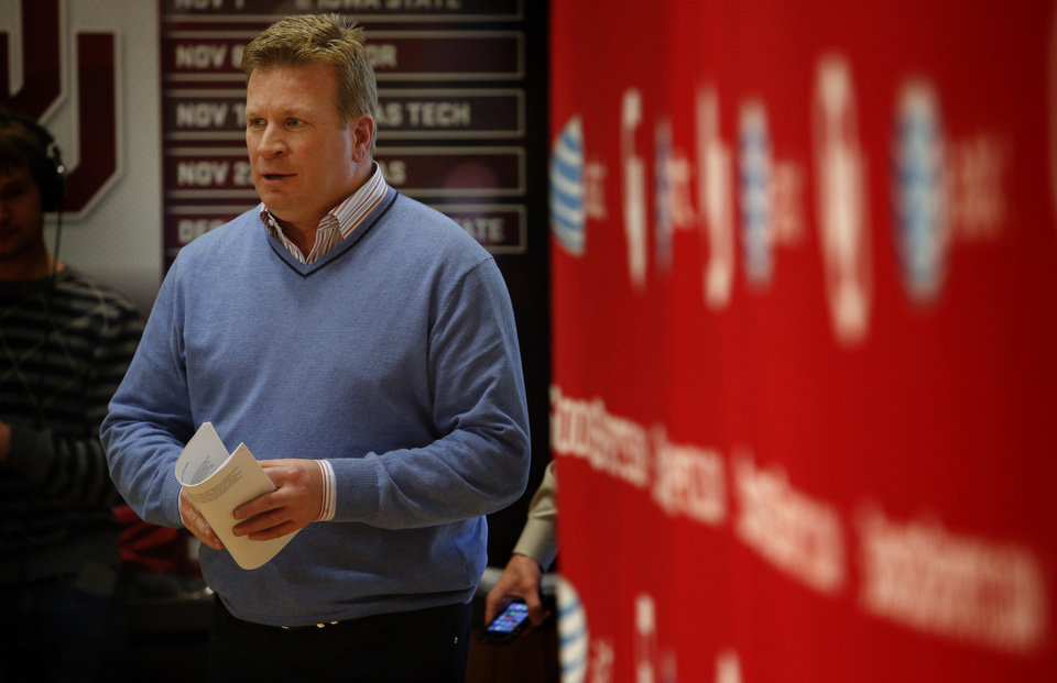University of Oklahoma Sooners (OU) football Associate Head Coach Mike Stoops talks about the 2014 recruiting class in the Adrian Peterson Meeting Room at Gaylord Family-Oklahoma Memorial Stadium in Norman, Okla., on Wednesday, Feb. 5, 2014. Photo by Steve Sisney, The Oklahoman
