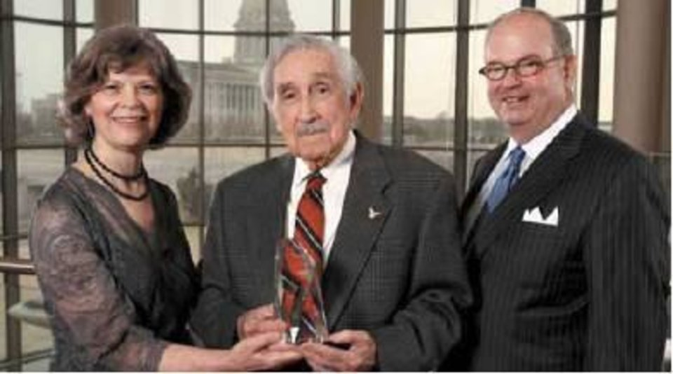 Oklahoma Humanities Council awards dinner. Ann Thompson, Charles Banks Wilson, Ed Barth.  (Photo by Steve Sisney)