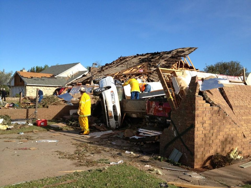 Photo - Tornado damage in Woodward, Okla. Photo by Michael Kimball, The Oklahoman, April 15, 2012.