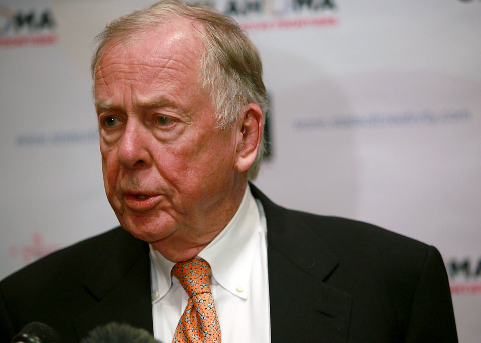 Photo - Boone Pickens speaks to the media during the Creativity World Forum at the Cox Convention Center in downtown Oklahoma City on Tuesday, Nov. 16, 2010. Photo by John Clanton, The Oklahoman
