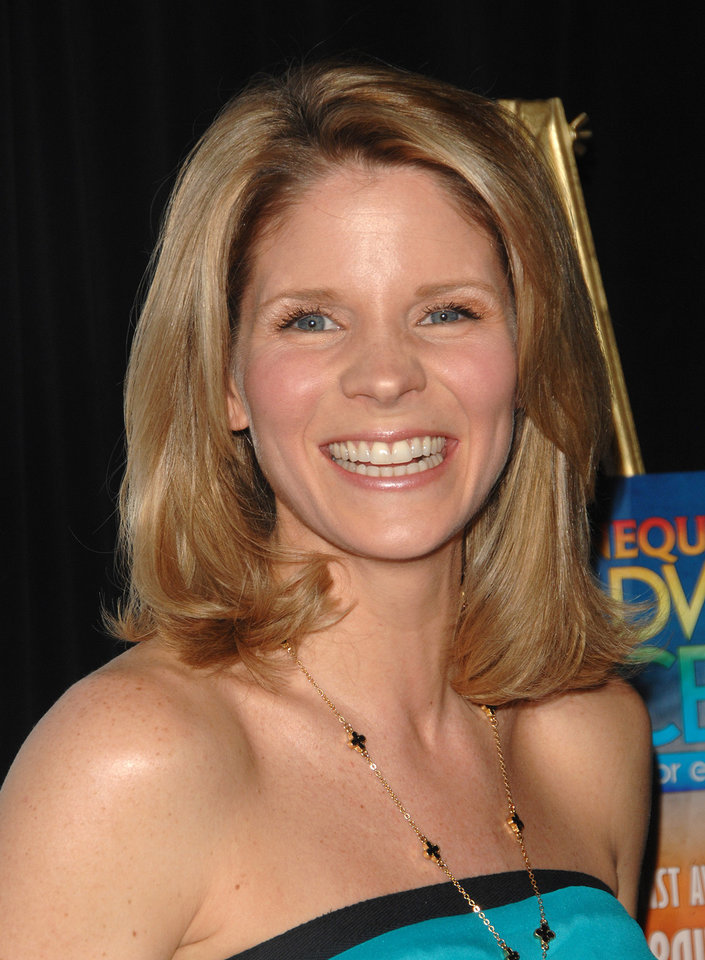 "FILE - In this Feb. 23, 2009 file photo, Kelli O'Hara attends the ""Defying Inequality"" Broadway concert, a celebrity benefit for equal rights, in New York. O'Hara will star opposite Matthew Broderick in the new musical comedy ""Nice Work if You Can Get it,"" opening on Broadway in April. (AP Photo/Peter Kramer, file)"