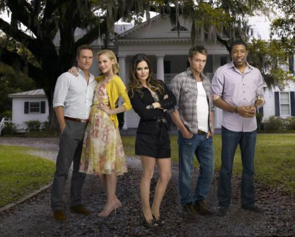 Photo -  Hart of Dixie Pictured: Scott Porter as George, Jaime King is Lemon, Rachel Bilson as Dr. Zoe Hart, Wilson Bethel as Wade, Cress Williams as Lavon. Photo Credit: Mathieu Young/The CW © 2011 The CW Network, LLC.  All rights reserved.