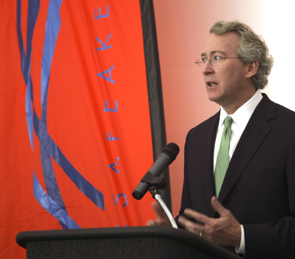 Photo - OPEN: Aubrey McClendon, Chairman, Chesapeake Energy Corp, speaks at the opening of the Chesapeake Boathouse at the Oklahoma River January 17, 2006. Staff photo by Hugh Scott.