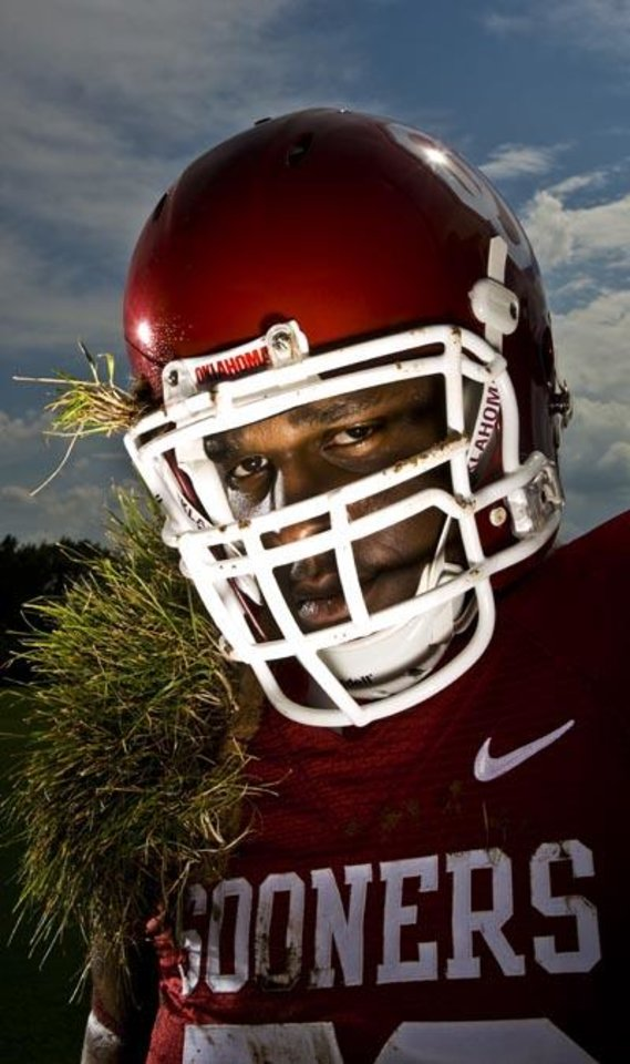 OU offensive lineman Duke Robinson poses for a photo on the football practice field at the University of Oklahoma in Norman, Okla., Wednesday, July 16, 2008. BY NATE BILLINGS, THE OKLAHOMAN