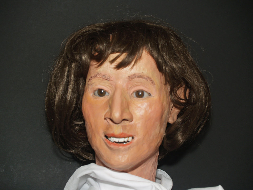 Photo - STINCHCOMB WILDLIFE REFUGE: Clay model that depicts the woman whose skull was found in Lake Overholser area in March, 2009 in the Stinchcomb Wildlife Refuge. ORG XMIT: KOD