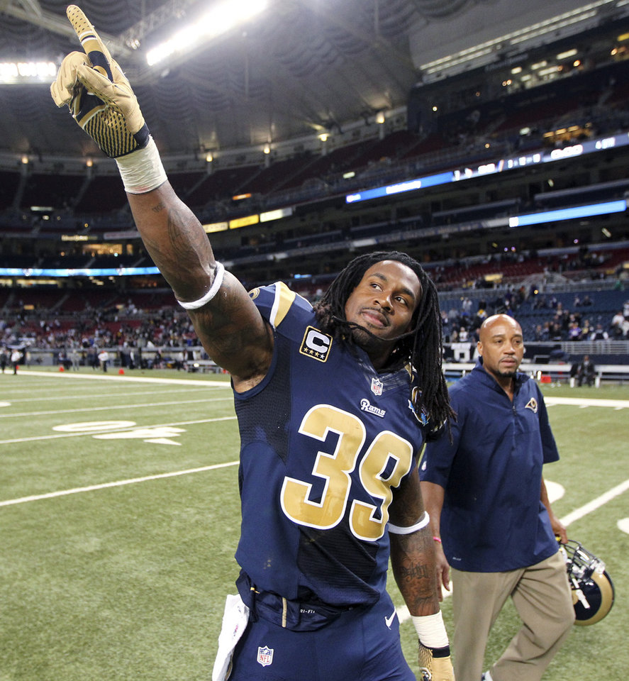 Photo - St. Louis Rams running back Steven Jackson points into the stands following an NFL football game against the Minnesota Vikings, Sunday, Dec. 16, 2012, in St. Louis. The Vikings won 36-22. (AP Photo/St. Louis Post-Dispatch, Chris Lee)  EDWARDSVILLE INTELLIGENCER OUT; THE ALTON TELEGRAPH OUT