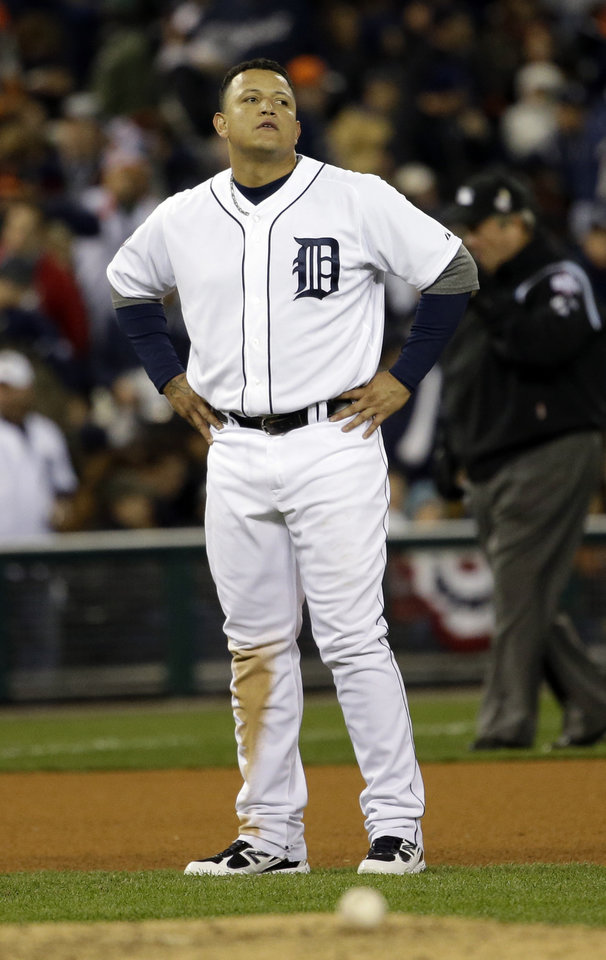 Photo -   Detroit Tigers' Miguel Cabrera reacts after flying out with bases loaded to end the fifth inning of Game 3 of baseball's World Series against the San Francisco Giants Saturday, Oct. 27, 2012, in Detroit. (AP Photo/David J. Phillip)