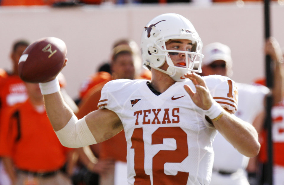 Photo - Colt McCoy (12) at the Oklahoma State University (OSU) college football game with University of Texas (UT) at Boone Pickens Stadium in Stillwater, Okla. Saturday, Nov. 3, 2007. BY DOUG HOKE, THE OKLAHOMAN ORG XMIT: KOD