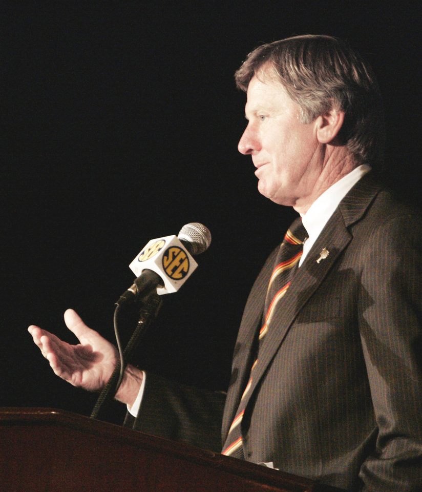 South Carolina coach Steve Spurrier admitted he didn�t vote on the preseason All-SEC team.  (AP Photo)