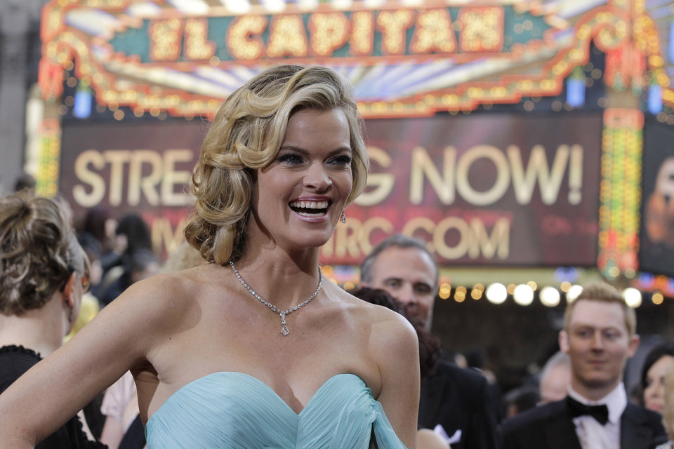 Missi Pyle arrives before the 84th Academy Awards on Sunday, Feb. 26, 2012, in the Hollywood section of Los Angeles. (AP Photo/Amy Sancetta) ORG XMIT: OSC250